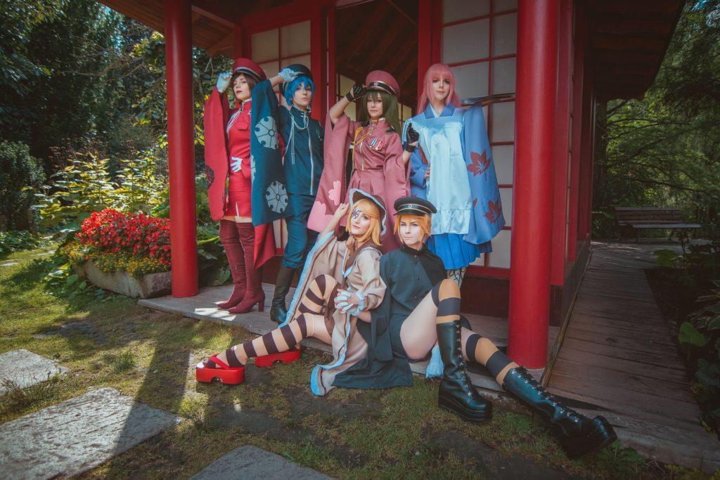 Έξι γυναίκες cosplayers